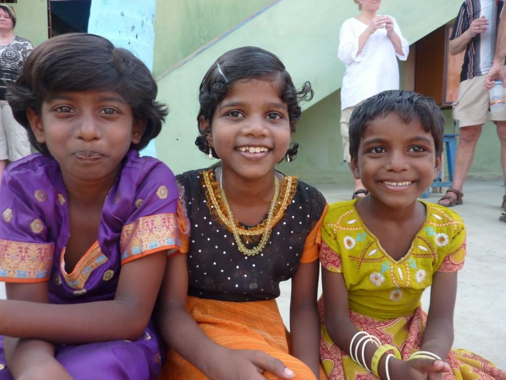 25 Drie bewoonsters van het weeshuis